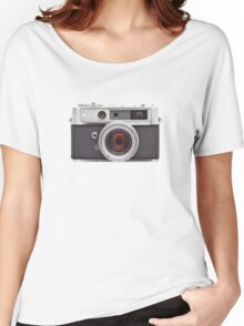 YASHICA Women's Relaxed Fit T-Shirt