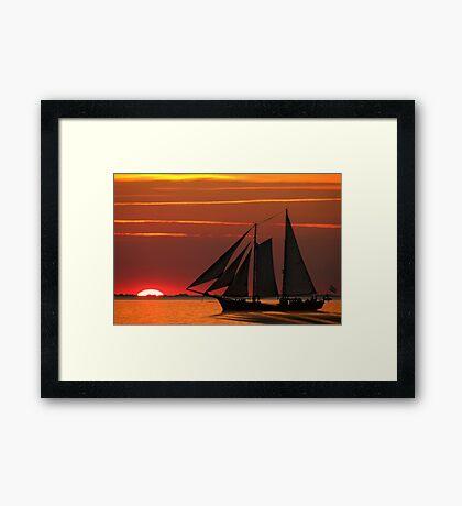 Oldtimer auf See Framed Print