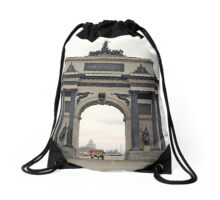 Triumphal arch on Kutuzov Avenue Drawstring Bag