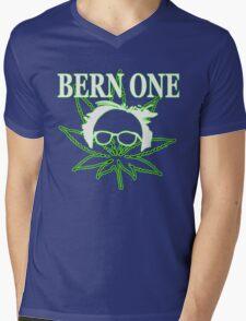 BERN ONE! Smoke 4 Bernie 2016!! #feelthebern Mens V-Neck T-Shirt