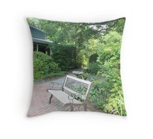 deep south garden Throw Pillow