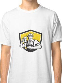 Bavarian Beer Drinker Oktoberfest Crest Retro Classic T-Shirt