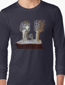 Tumnus and Lucy Narnia book sculpture Long Sleeve T-Shirt