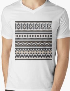 Scandinavian knitted pattern  Mens V-Neck T-Shirt
