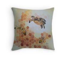 honu bees  Throw Pillow