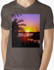 Sun's goodnight kiss Mens V-Neck T-Shirt