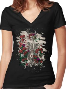 Skeleton & Roses - bleached look Women's Fitted V-Neck T-Shirt
