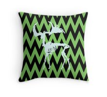 Irish giant deer skeleton Throw Pillow