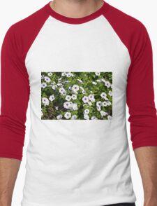 White spring flowers in the park. Men's Baseball ¾ T-Shirt
