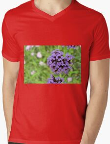 Macro on purple spring flowers. Mens V-Neck T-Shirt