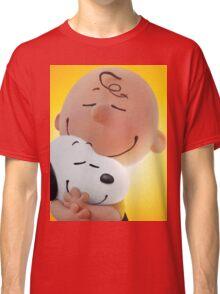 charlie brown snoopy big hugs movie Classic T-Shirt