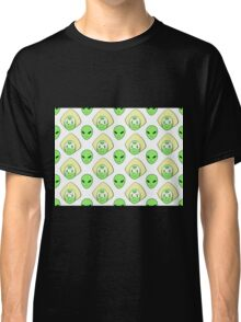 Peridot and the Alien Classic T-Shirt