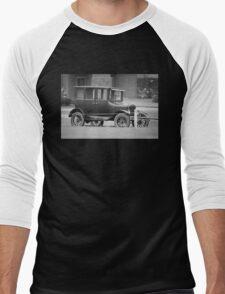 1924 Ford Model T Fordor Sedan Men's Baseball ¾ T-Shirt