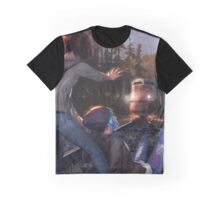 Max & Chloe Graphic T-Shirt