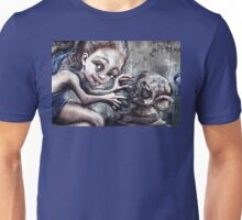 Modelling her monkey Unisex T-Shirt