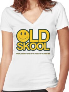 Smiley Old Skool Women's Fitted V-Neck T-Shirt