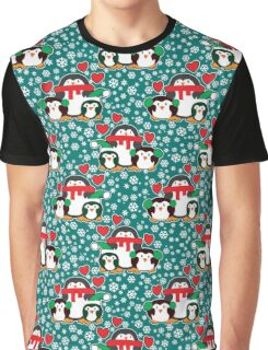 Christmas Love Penguins Graphic T-Shirt