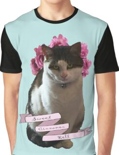 Sweet Cinnamon Kitty Roll Graphic T-Shirt