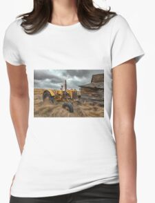 Crank that Tractor!    Womens Fitted T-Shirt