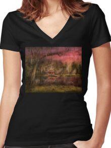 Cabin - De Land, FL - Summer Cottage 1904 Women's Fitted V-Neck T-Shirt
