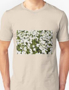 Beautiful pattern with white flowers in the garden. Unisex T-Shirt