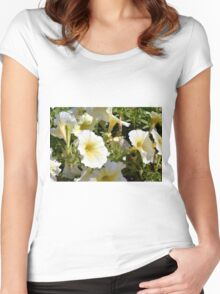 Beautiful pattern with white flowers in the garden. Women's Fitted Scoop T-Shirt