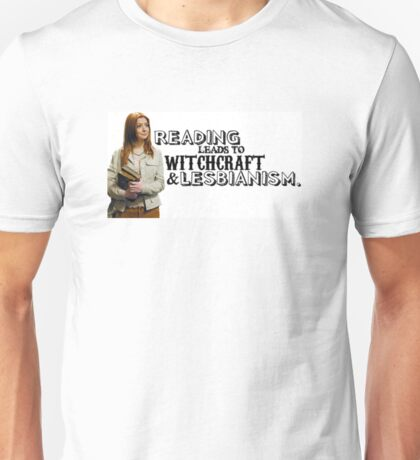 Reading leads to lesbianism Unisex T-Shirt