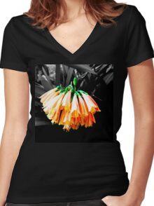 Clivia Cluster Women's Fitted V-Neck T-Shirt