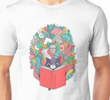 Cat reading a book. Unisex T-Shirt