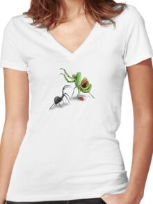 Praying Mantis Vs Black Widow Women's Fitted V-Neck T-Shirt