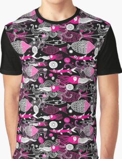 Texture graphic squid and fish Graphic T-Shirt