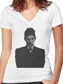 Penguin portait - Gotham Women's Fitted V-Neck T-Shirt
