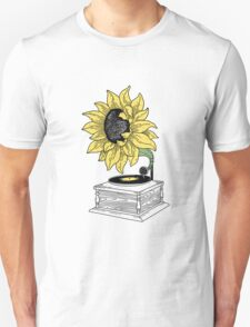 Singing in the sun T-Shirt
