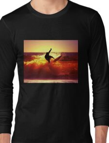 Catching Waves surf Long Sleeve T-Shirt