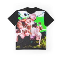 FAMILY TIME Graphic T-Shirt
