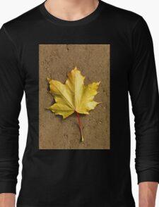 Maple leaf in autumn Long Sleeve T-Shirt