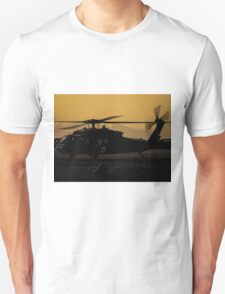 US Army Blackhawk Medic helicopter Unisex T-Shirt