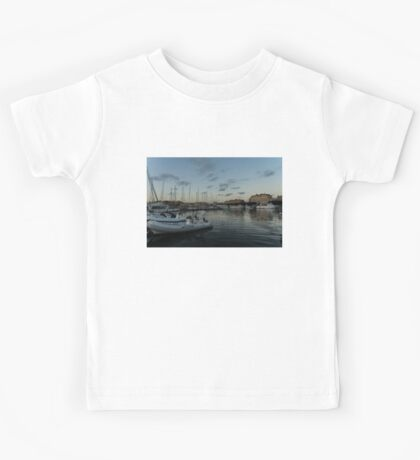 As the Evening Gently Comes - Ortygia, Syracuse, Sicily Grand Harbor  Kids Tee