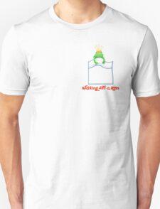 Green Pocket frog, waiting for Kiss. Unisex T-Shirt