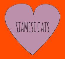 Siamese cat love Kids Tee