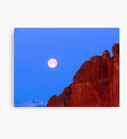 Smith Rock Moonset Canvas Print