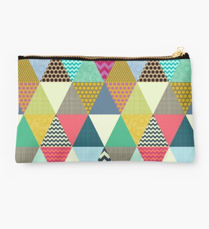 New York Beauty triangles Studio Pouch