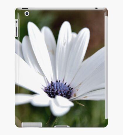 White simplicity iPad Case/Skin