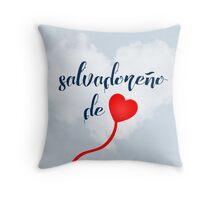 Salvadoreño de corazón  Throw Pillow