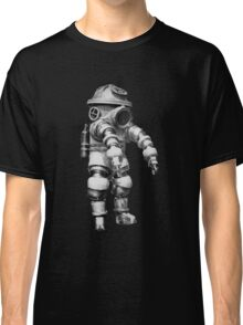 Vintage retro deep sea diver Classic T-Shirt