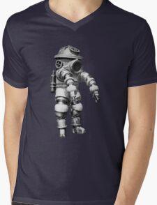 Vintage retro deep sea diver Mens V-Neck T-Shirt