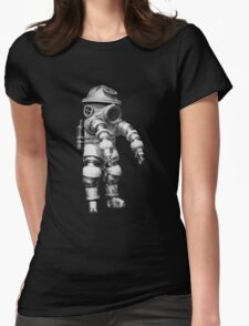 Vintage retro deep sea diver Womens Fitted T-Shirt
