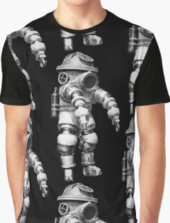 Vintage retro deep sea diver Graphic T-Shirt