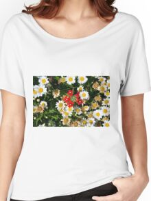 Beautiful white flowers pattern, with small red flowers in the center. Women's Relaxed Fit T-Shirt