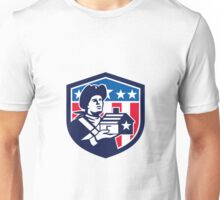 American Patriot Holding House Flag Crest Retro Unisex T-Shirt